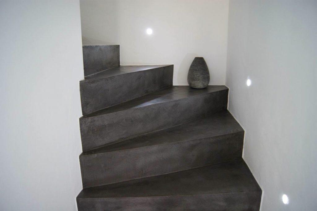 exclusief stucwerk betonlook trap